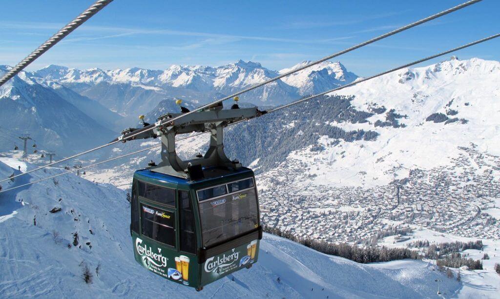 lift skiing
