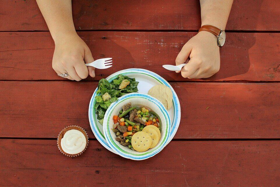 summer-camp-Dining-and-Food