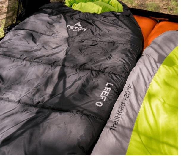 mummy-shaped zero dergee sleeping bag