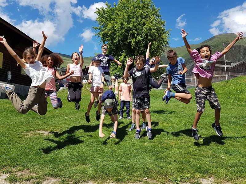 group jump Les Elfes summer camps