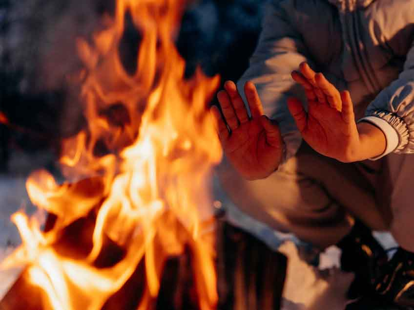 Les Elfes Winter camps - 8 activities for winter - winter fire