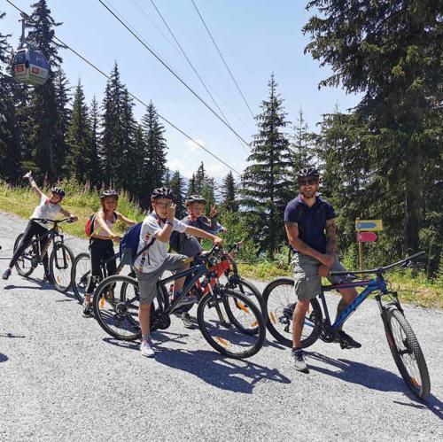 Les Elfes International summer camp - mountain bike 2 light