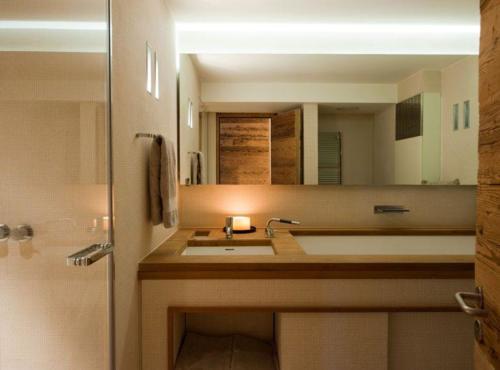 Chalet Verbier masterbathroom