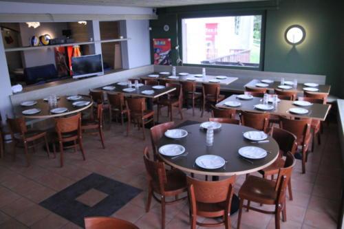 Crans-Montana dining room